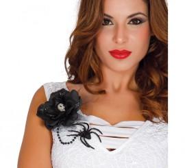 Flor negra con araña